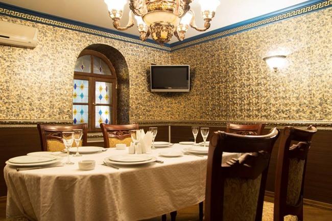 رستوران البارا در باکو یکی از معروفترین رستوران های باکو