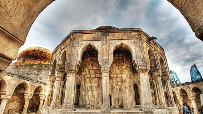 دیدار با تاریخ آذربایجان در کاخ شیروان شاه در باکو