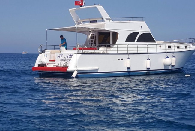 کرایهی انواع قایقهای تفریحی دربندرگاه یات لیمانی Yat Limani آنتالیا