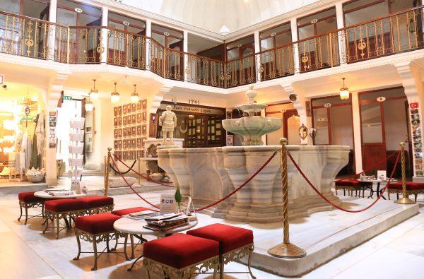 حمام سنتی جاله اوغلو Cağaloğlu استانبولیکی از تاریخی ترین حمام های سنتی ترکیه