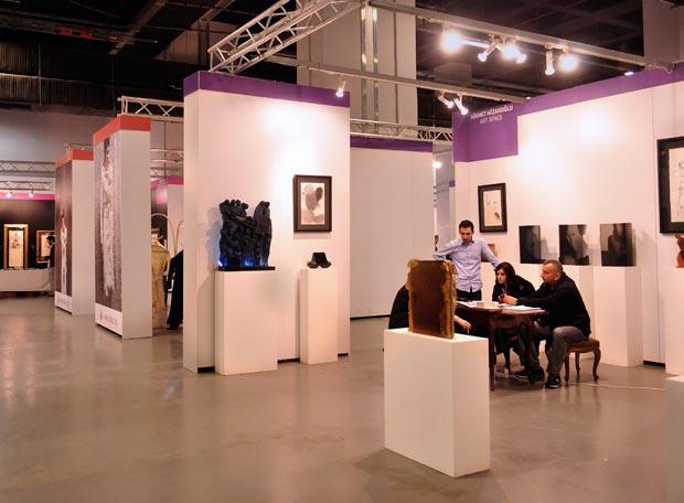 بازدید از آثار هنرمندان سراسر جهان درنمایشگاه آثار هنری و عتیقه جات ARTIST استانبول