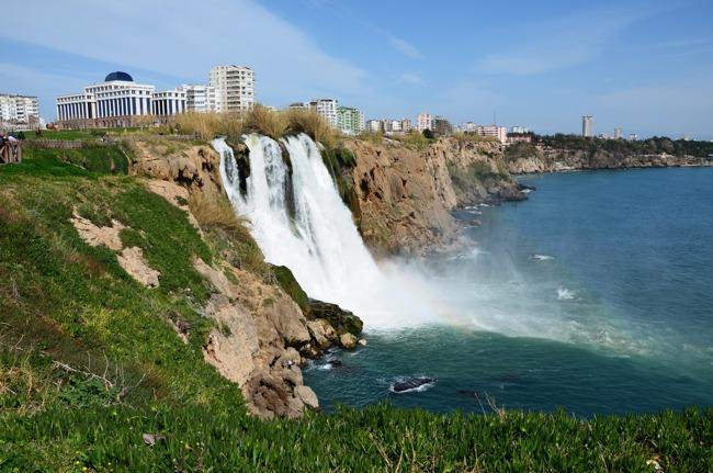 تجربه زیبایی طبیعت مدیترانه ای در آبشارهای خروشان آنتالیا