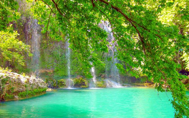 طبیعتی دستنیافتنی در آبشار کورسونلوKurşunlu Şelalesi