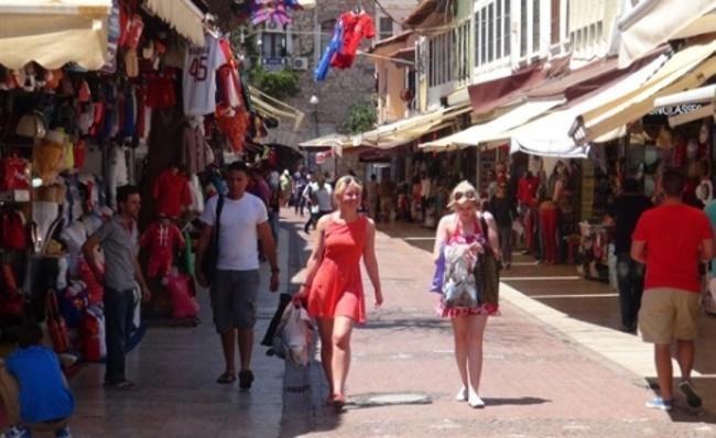 بازار آکدوگان کوش آداسی ترکیه مکانی دوست داشتنی
