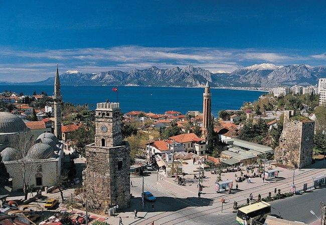 برج ساعت، سمبل تاریخی بودن شهر آنتالیا