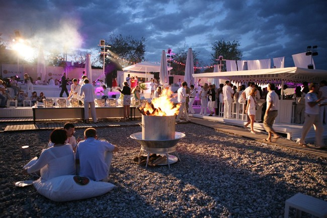 جشنواره در آنتالیا یکی از جاذبههای گردشگری منطقهی آنتالیا در کشور ترکیه