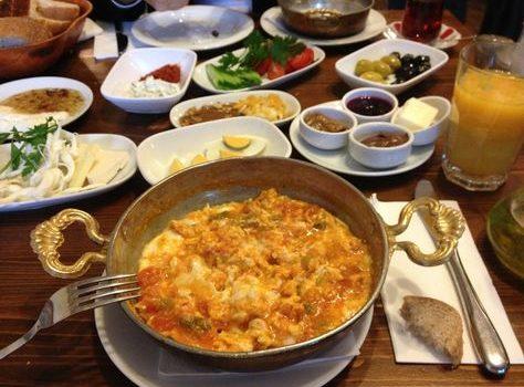 با رستوران کرال سوفاراسی آنتالیا از لذت خوردن غذا بهرهمند شوید