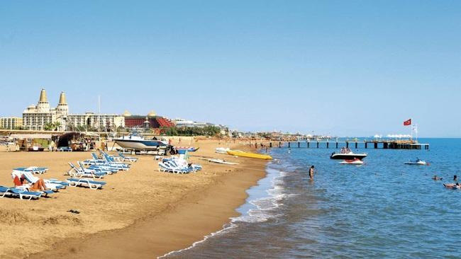 ساحل کنیالتی و لارا در شهر آنتالیا در کشور ترکیه: