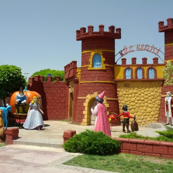 تجربه هیجان و تفریحات بینظیر در سرزمین عجایب هاریکالار دیاری Harikalar Diyari آنکارا