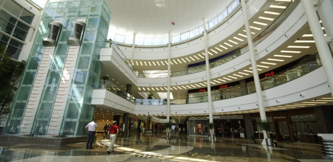 فروشگاه ozdilek shopping centers یکی از بهترین مراکز خرید در آنتالیا