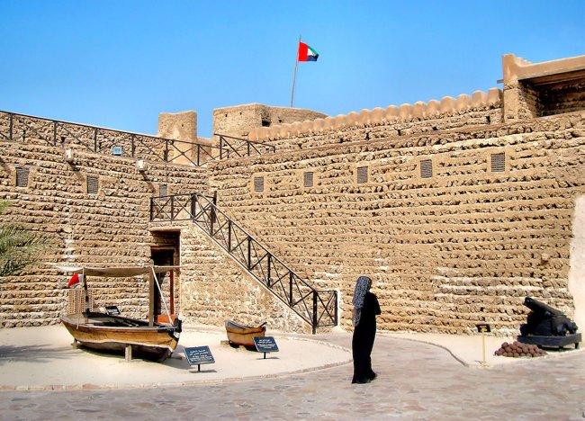 لمس تاریخ امارات و دبی در قلعهٔ الفهیدی دبی (موزه دبی)