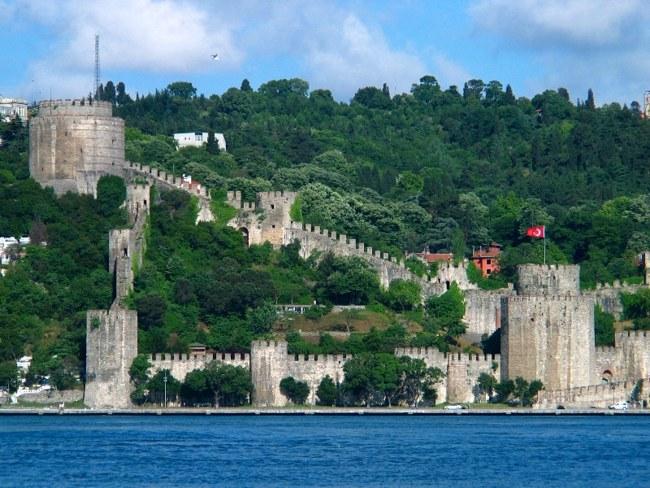 مکانهای گردشگری ترکیه؛ چشمانداز قلعه رومیان