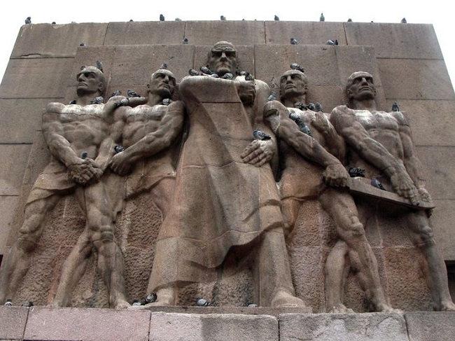 مجسمه یادبود امنیت و اعتماد ملی آنکارا Güvenlik Anıtı - Emniyet Abidesi نمادی از آزادی و استقلال ترکیه