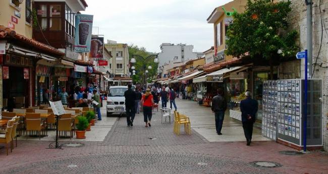 محلهی کاله ایچی در کوش آداسیkuşadası kaleiçi çeyrek یک مکان ایده آل و همه چی تمام در تور کوش آداسی
