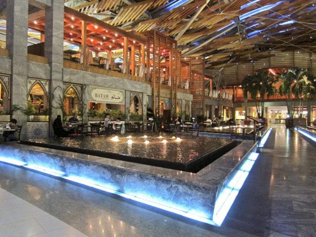 مرکز خرید برجمان Burjuman mallدبی، محلی برای یافتن تمام برندهای جهانی در یک جا