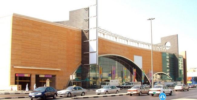 مرکز خرید ریف Reef Mall دبیفروشگاهی زیبا برای خریدی عالی در تور دبی