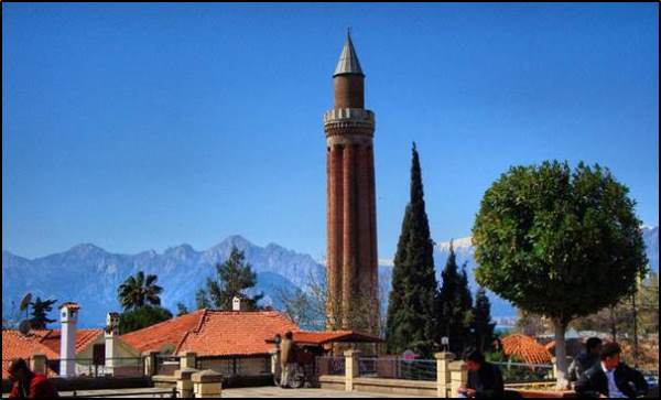 مناره یولی جاذبه گردشگری ترکیه