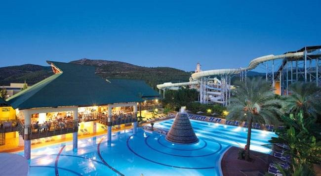 اقامتی هیجان انگیز در هتل اکوا فانتزیAqua Fantasyدر کوش اداسی