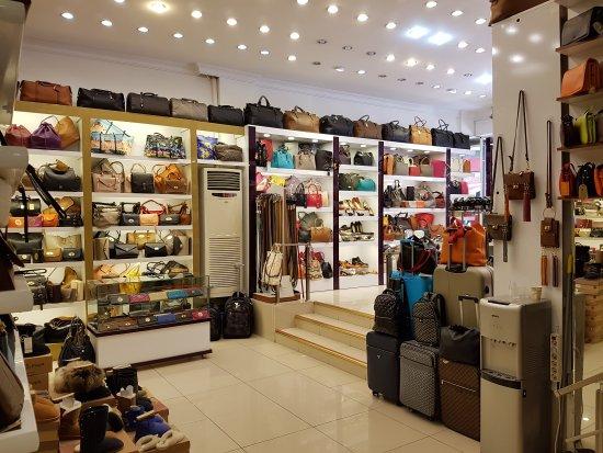 چرم فروشی کاکتوس Kaktus Leather in kusadasi در قلب کوش آداسی
