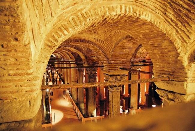 آب انبار باسیلیکا استانبول، تکهای از تاریخ زیرزمینی