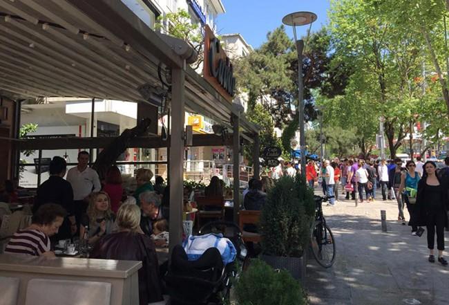خرید در خیابان بغداد استانبول، بهشت دوستداران پوشاک برند