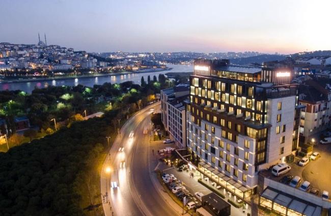 خیابان خلیج شاخ طلایی استانبول؛ تماشاییترین نقطه در شهر استانبولخیابان خلیج شاخ طلایی استانبول؛ تماشاییترین نقطه در شهر استانبول
