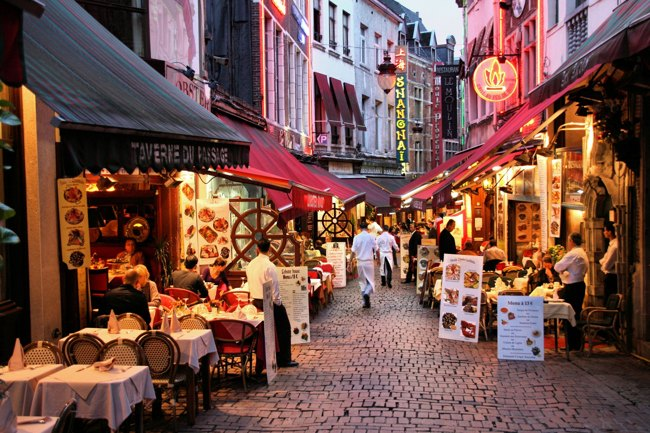 تجربه آرامش و لمس زیبایی در خیابان فرانسه استانبول