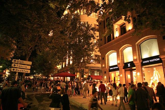 خیابان نیشان تاشی استانبول تلفیق رؤیا و خیابان در کره زمین