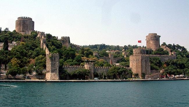 قلعه آناتولی استانبول قدیمیترین اثر و یادگار معماران کهن ترک تبار