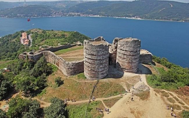 قلعه یوروس استانبول یک یادگار بیزانسی