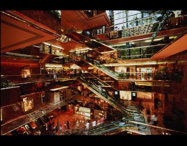 تفریح و خرید در کنار هم در مرکز خرید ترامپ تاورز استانبول