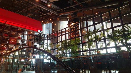خریدی تمام عیار در مرکز خرید نیشان تاشی استانبول