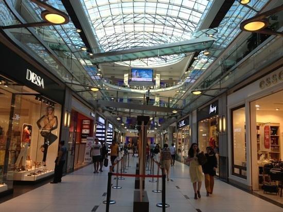مرکز خرید پالادیوم در استانبول یکی از زیباترین و مدرنترین مراکز خرید در این شهر