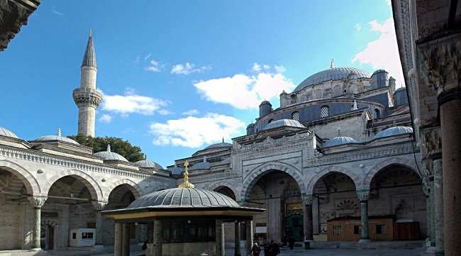 مسجد بایزید استانبول یکی از دیدنی ترین مساجد این شهر رویایی