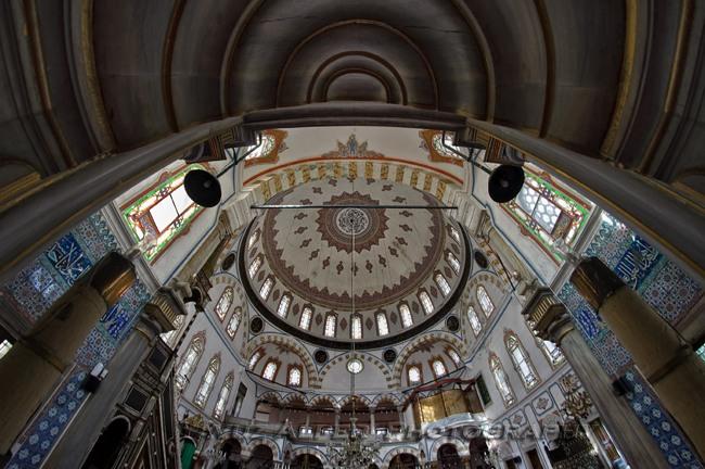 مسجد بیلربی استانبول مسجدی کوچک و تاریخی در ساحل تنگه به سفر