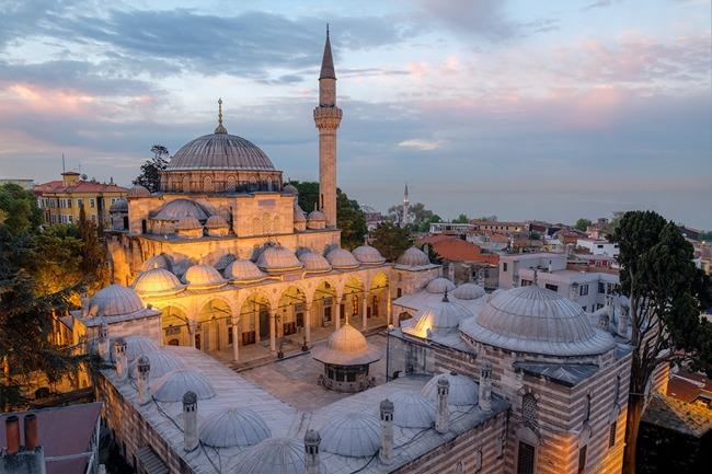 مسجد زال محمود پاشا استانبول،یادگاری از وزیر و سیاستمدار عثمانی قرن شانزدهم میلادی