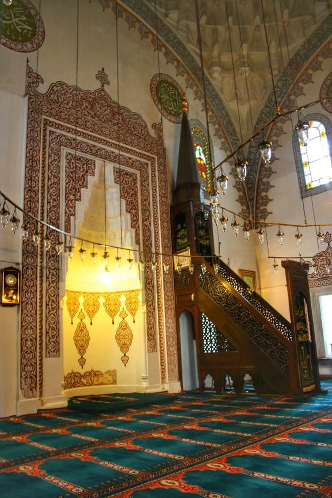 مسجد فیروز آقا استانبول، هارمونی از معماری و معنوی