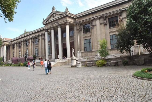 موزه باستان شناسی استانبول یک استانبول در ابعاد یک موزه؛ تنها کافی است به این موزه قدم بگذرید تا تمام دیدنیهای شهر را یکجا از نظر بگذرانید