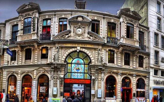 پاساژ چیچک استانبول cicek pasaji پاساژی به یادگار مانده از قرن 19
