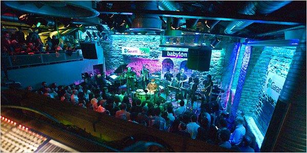 کلوپ بابل (کلوپ بابیلون) معروفترین کلوپ شبانه آواز و موسیقی در شهر استانبول