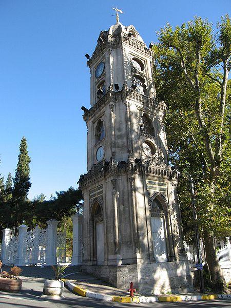 ییلدیز کلاک تاور استانبول برج ساعتی منتسب به حکومت عثمانی است که در ورودیه مسجد حمیدیه واقع شده است