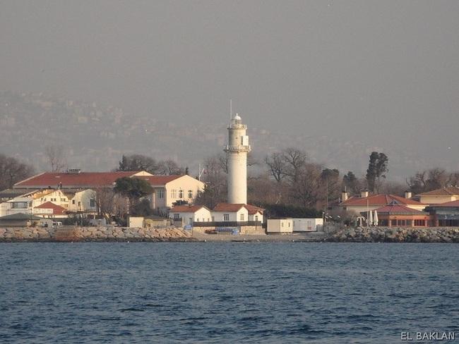 فانوس دریایی فنرباغچه استانبول، نخستین فانوس دریایی دوران عثمانی