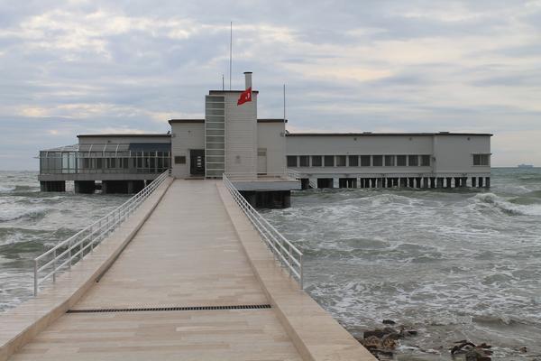 موزه فلوریا آتاتورک استانبول florya deniz köşkü ، عمارتی چشم نواز بر روی منظرهای بکر