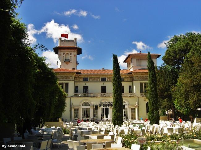 کاخ خدیو استانبول یک هتل و رستوران کلاسیک